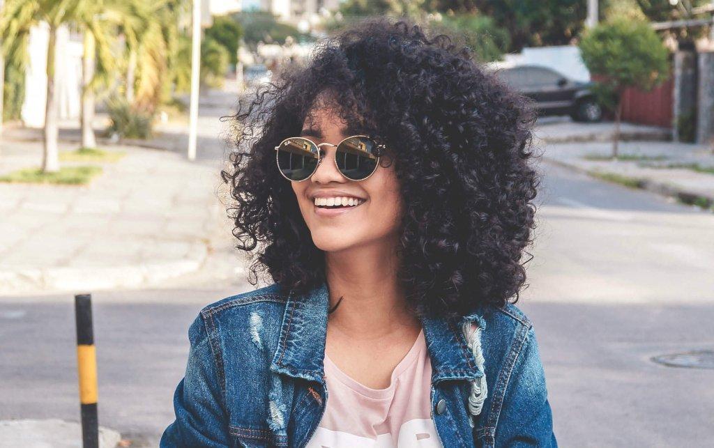 Transição capilar: cuidados para voltar aos cabelos naturais